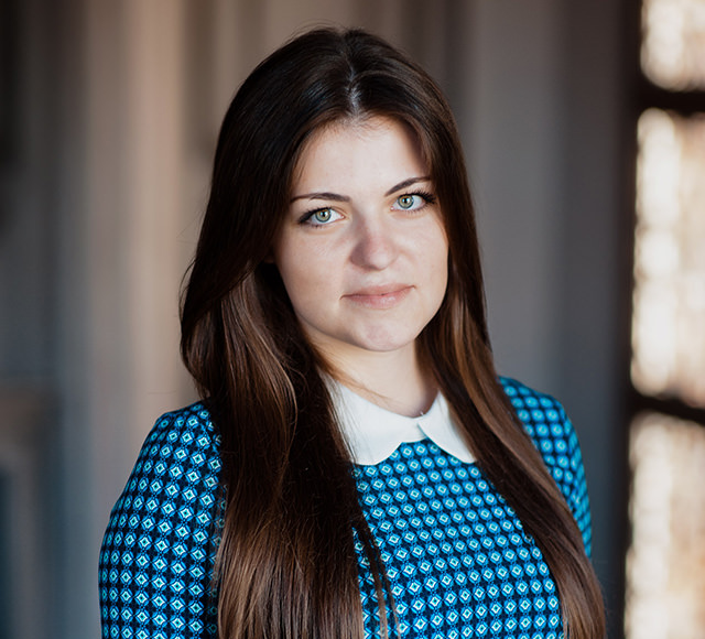 Елена, офис-менеджер
