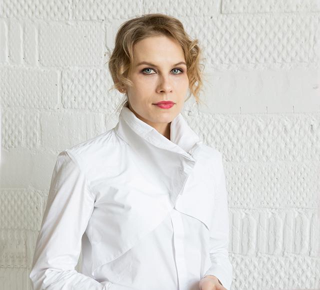 [:ru]Елена[:en]Elena[:], Real estate expert